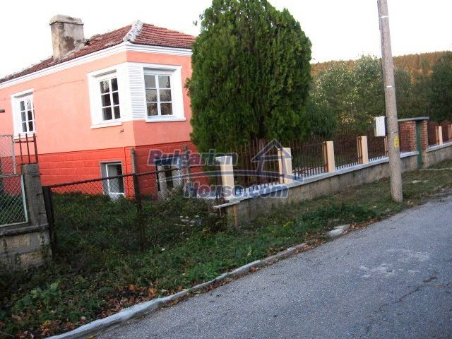 9285:3 - Renovated Bulgarian house for sale located in nice region