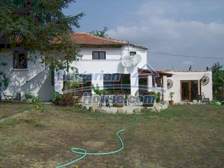 9303:1 - Fully Renovated Bulgarian house in the village of Avren