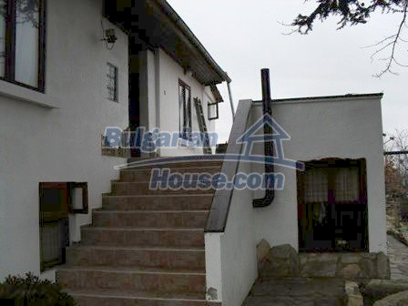 9303:5 - Fully Renovated Bulgarian house in the village of Avren