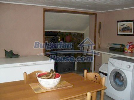 9303:18 - Fully Renovated Bulgarian house in the village of Avren