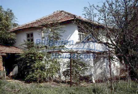 9330:1 - An old two storey Bulgarian house for sale in Elhovo region