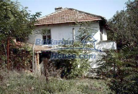 9330:2 - An old two storey Bulgarian house for sale in Elhovo region