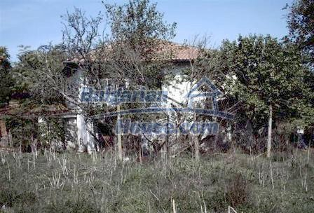 9330:3 - An old two storey Bulgarian house for sale in Elhovo region