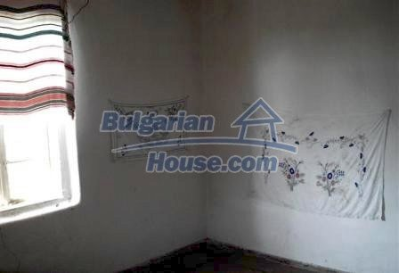 9330:8 - An old two storey Bulgarian house for sale in Elhovo region
