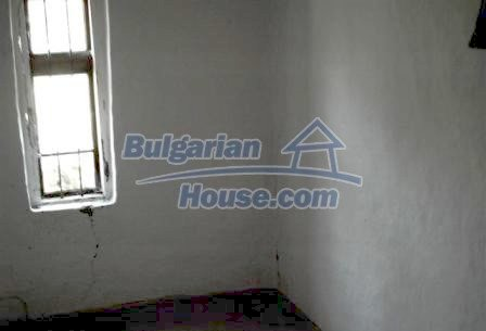 9330:9 - An old two storey Bulgarian house for sale in Elhovo region