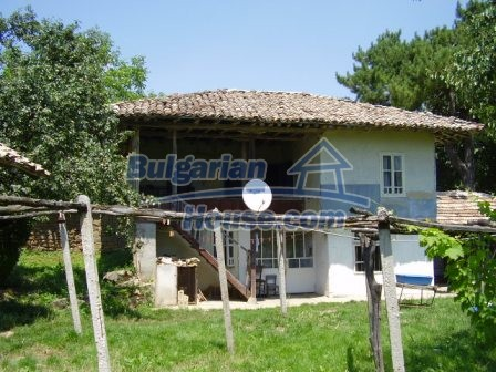 9348:2 - Cheap house in Bulgaria with huge garden, near Veliko T