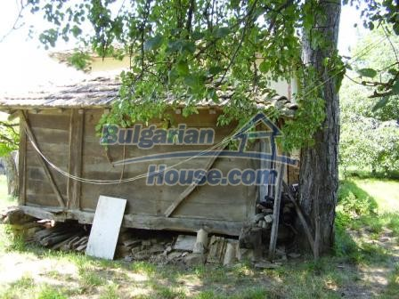 9348:3 - Cheap house in Bulgaria with huge garden, near Veliko T