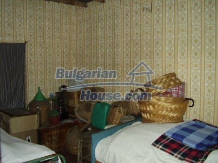 9348:14 - Cheap house in Bulgaria with huge garden, near Veliko T