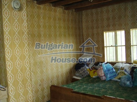 9348:15 - Cheap house in Bulgaria with huge garden, near Veliko T