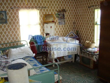 9348:16 - Cheap house in Bulgaria with huge garden, near Veliko T