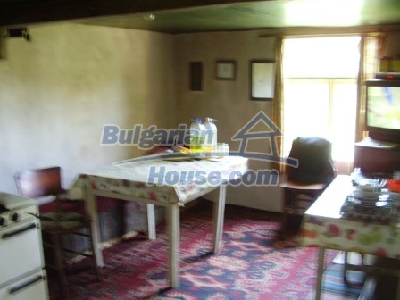 9348:8 - Cheap house in Bulgaria with huge garden, near Veliko T