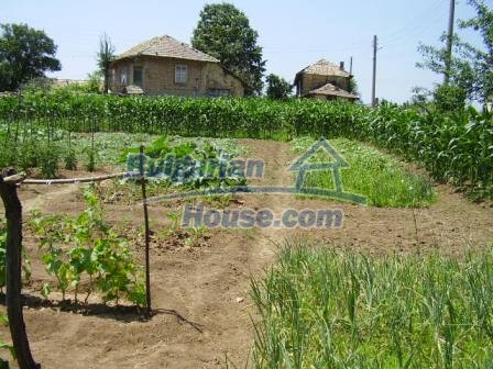 9348:21 - Cheap house in Bulgaria with huge garden, near Veliko T