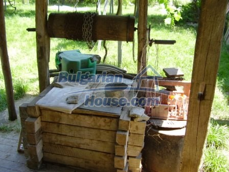 9348:23 - Cheap house in Bulgaria with huge garden, near Veliko T