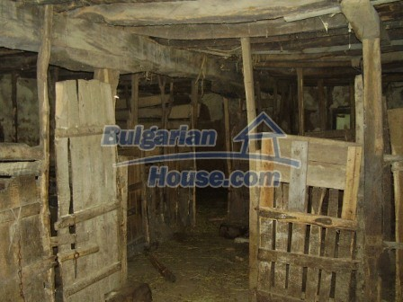 9348:24 - Cheap house in Bulgaria with huge garden, near Veliko T