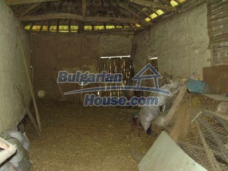 9348:28 - Cheap house in Bulgaria with huge garden, near Veliko T