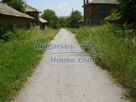 9348:32 - Cheap house in Bulgaria with huge garden, near Veliko T