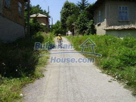 9348:34 - Cheap house in Bulgaria with huge garden, near Veliko T