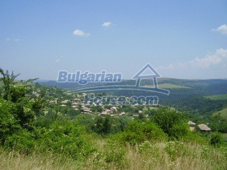 9348:35 - Cheap house in Bulgaria with huge garden, near Veliko T