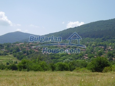 9348:36 - Cheap house in Bulgaria with huge garden, near Veliko T