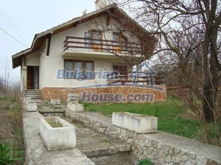 9360:1 - Buy cheap Bulgarian house only 3km away from the sea