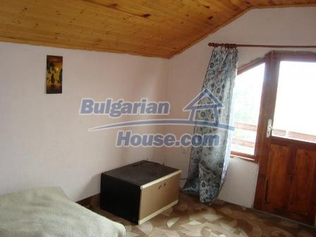9360:10 - Buy cheap Bulgarian house only 3km away from the sea