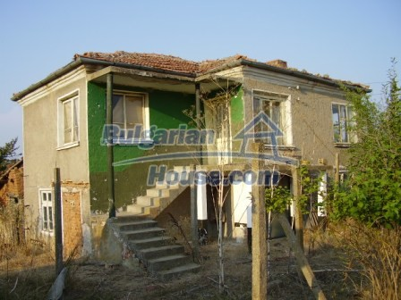 9405:1 - Cheap Bulgarian house for sale in a village near Elhovo