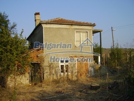 9405:3 - Cheap Bulgarian house for sale in a village near Elhovo