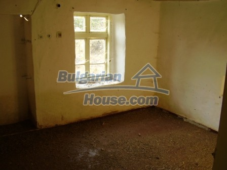 9405:6 - Cheap Bulgarian house for sale in a village near Elhovo