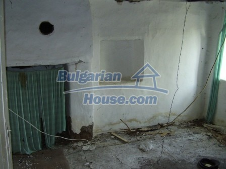 9405:7 - Cheap Bulgarian house for sale in a village near Elhovo