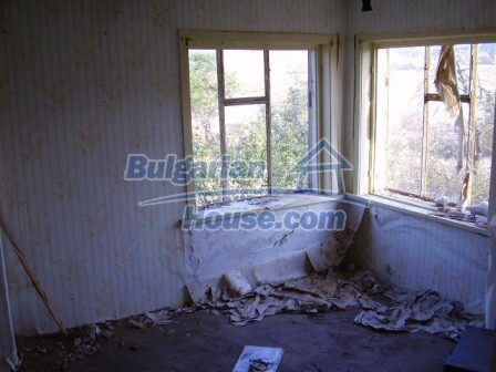 9405:9 - Cheap Bulgarian house for sale in a village near Elhovo