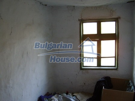 9405:10 - Cheap Bulgarian house for sale in a village near Elhovo