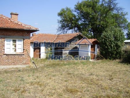 9417:5 - Rural bulgarian house for sale in well developed hamlet of Skali