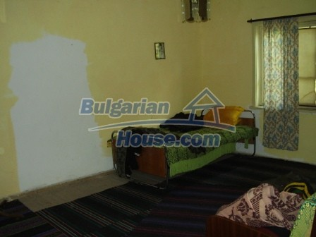 9420:11 - Cozy Bulgarian house for sale near Elhovo town