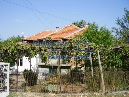 9420:18 - Cozy Bulgarian house for sale near Elhovo town