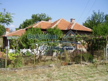 9420:20 - Cozy Bulgarian house for sale near Elhovo town