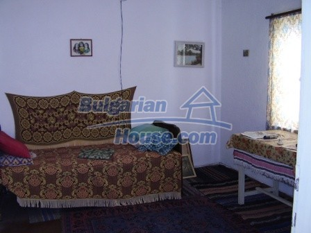 9420:9 - Cozy Bulgarian house for sale near Elhovo town