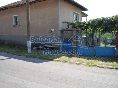 9423:1 - Cheap Bulgarian property in a calm and nice village