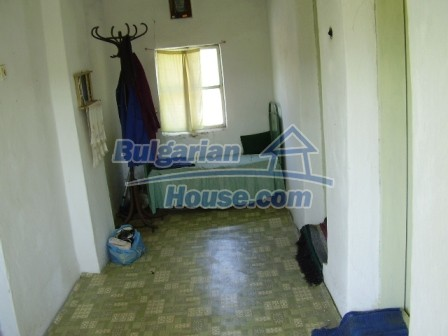 9423:12 - Cheap Bulgarian property in a calm and nice village