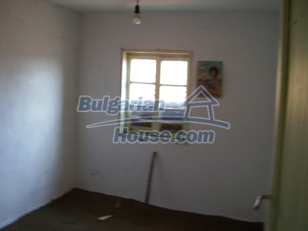 9423:14 - Cheap Bulgarian property in a calm and nice village