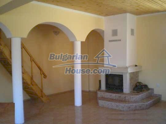 9868:16 - Bulgarian house for sale near the sea and lake in Varna region