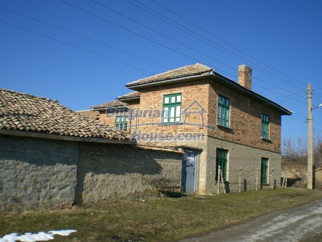 9210:32 - BARGAIN  House for sale in Bulgaria, near Targovishte