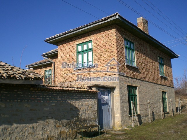 9210:35 - BARGAIN  House for sale in Bulgaria, near Targovishte