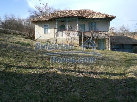 10094:3 - Old traditional Bulgarian house for sale near dam lake