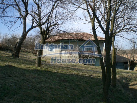 10094:4 - Old traditional Bulgarian house for sale near dam lake