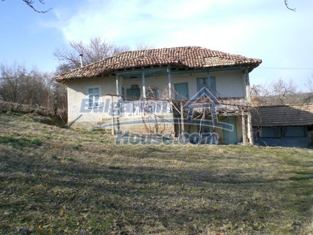 10094:5 - Old traditional Bulgarian house for sale near dam lake
