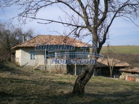 10094:7 - Old traditional Bulgarian house for sale near dam lake
