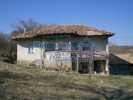 10094:12 - Old traditional Bulgarian house for sale near dam lake