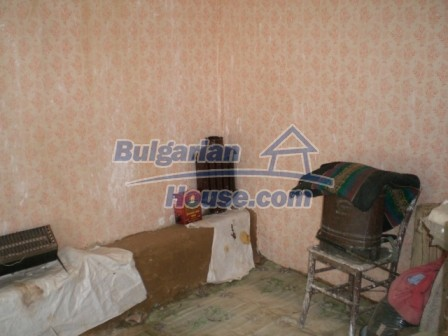 10094:13 - Old traditional Bulgarian house for sale near dam lake