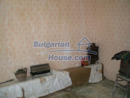 10094:14 - Old traditional Bulgarian house for sale near dam lake