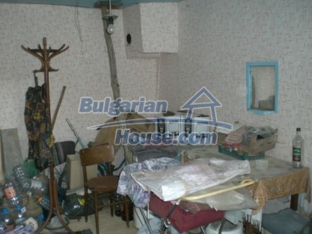10094:15 - Old traditional Bulgarian house for sale near dam lake